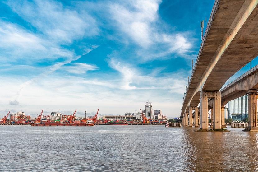 城市 码头 河流 大桥
